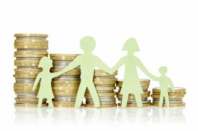 世代別の世帯当たりの所得はいくらか