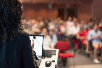 女性の大学教授の給料はどのくらいか