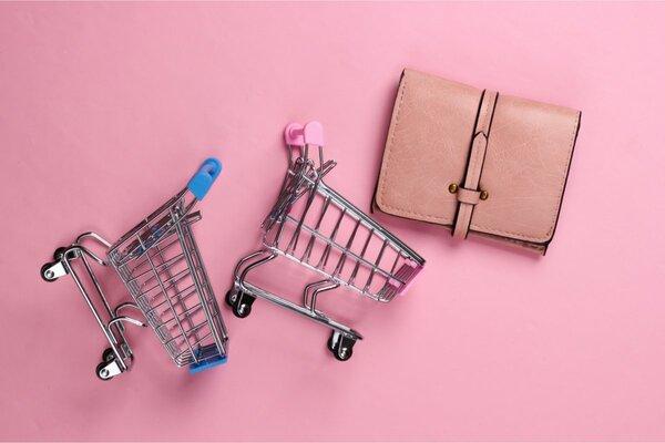 売り切れ続出の人気コラボ「しまむら×MUMU」新作ミニ財布が1419円で使いやすい!