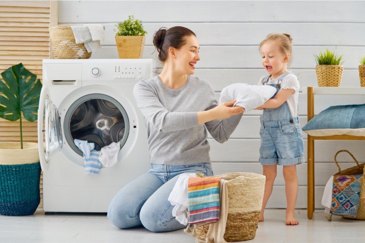 """洗濯の「取り込み」が面倒くさい… """"引っ張るだけ""""時短ハンガーはお手伝いにも最適!"""