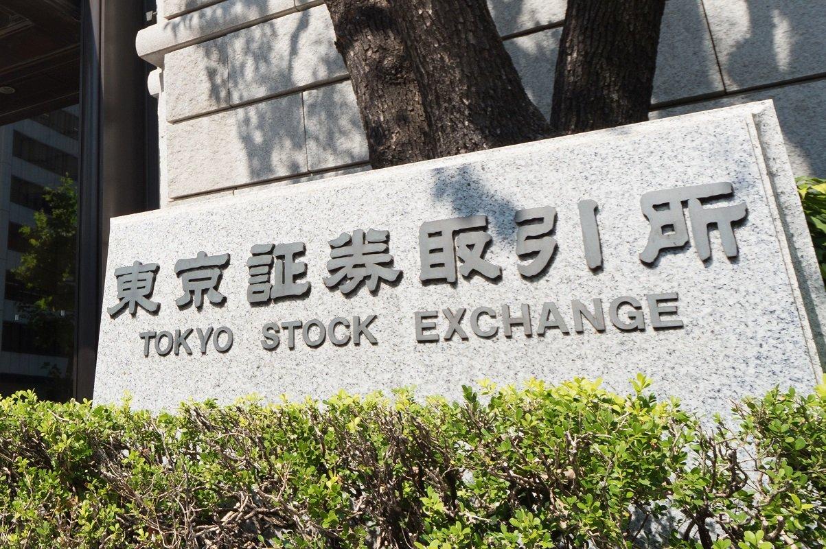 日経平均3万円の背景に「従業員より株主重視」 統計が示す増えない給料