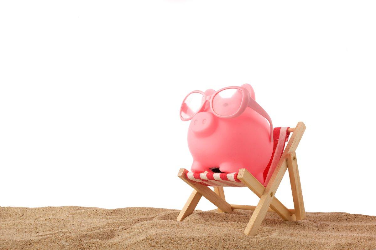 年収300万円の平均貯蓄額は700万円。貯金できる人は何が「上手」なの?