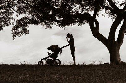 産後うつで殺人未遂…他人事ではない、密室育児のリスク