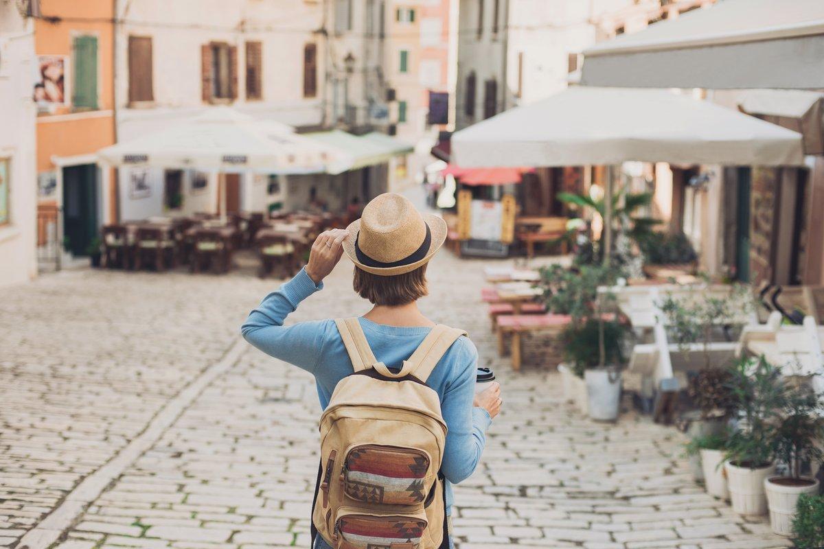 エポスカードは会費無料で海外旅行保険が自動でつくクレジットカード