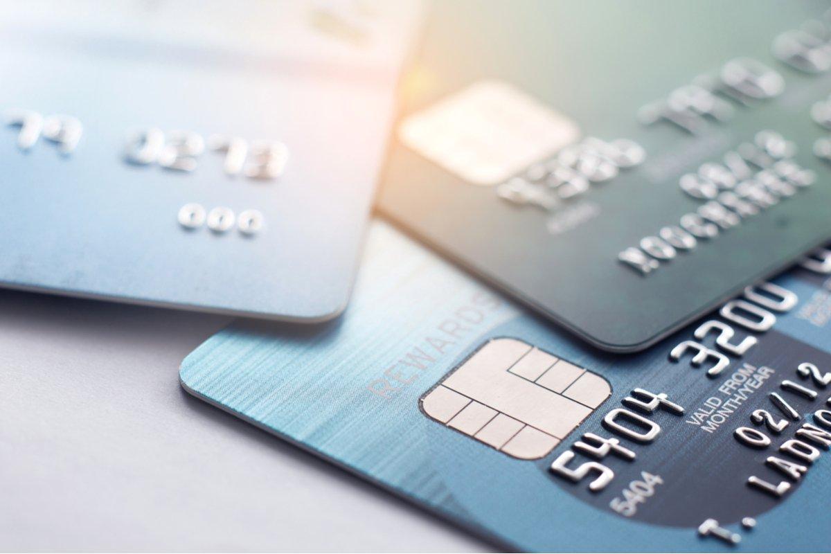 【クレカ比較】「Orico Card THE POINT」と「dカード」はどちらがポイントを貯めやすいクレカか