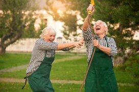 働きながら年金もらっている人って、どれくらいいるの?
