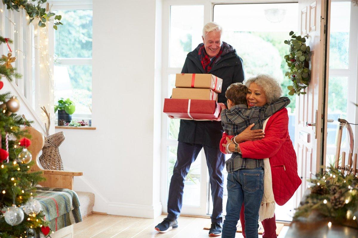じいじ・ばあばからのクリスマスプレゼントが悩みの種に!?子どもの行事にいつまで呼ぶ?