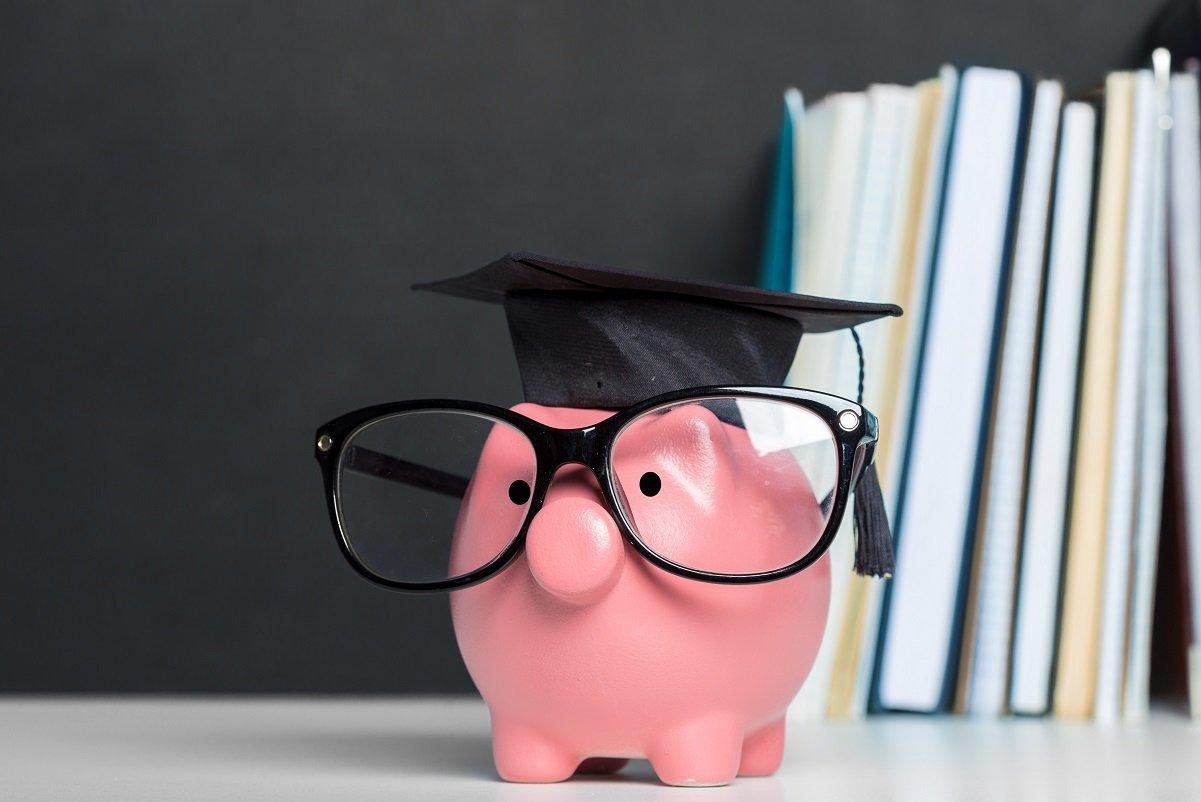 子どもができたら学資保険に入るべき? 共働きの我が家の場合は…