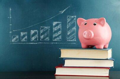 「生涯年収と学歴」って、どんな相関関係があるの?
