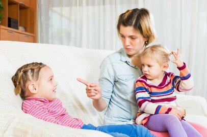 休校で子どもと家にこもりきり…「べき」「ねば」思考が強いと起きやすい負の連鎖