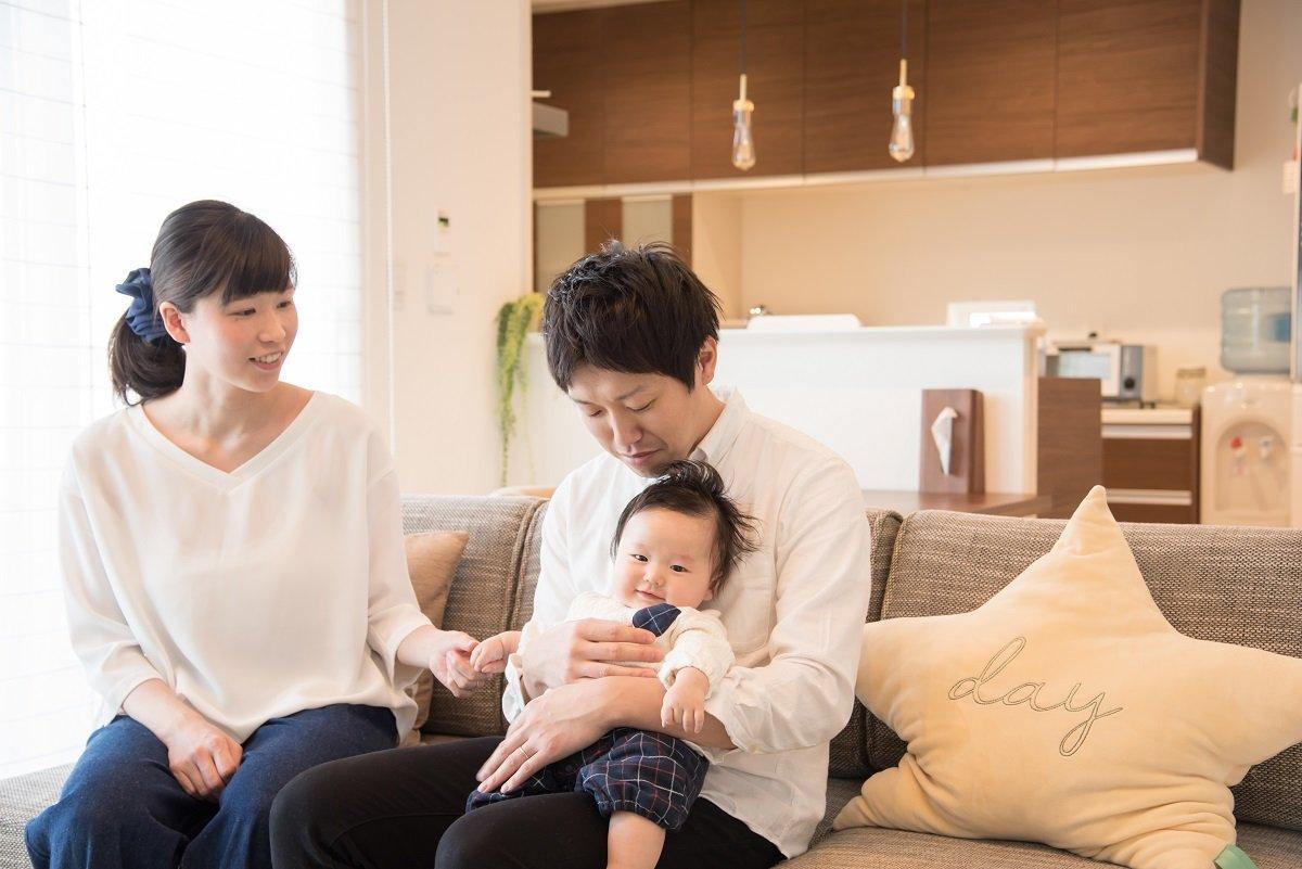 共働き夫婦のリアル:家事と生活費の分担、みんなはどうしてる?