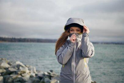 安価でおしゃれ「ワークマン」高評価の動きやすい最新防水レインウェア3選