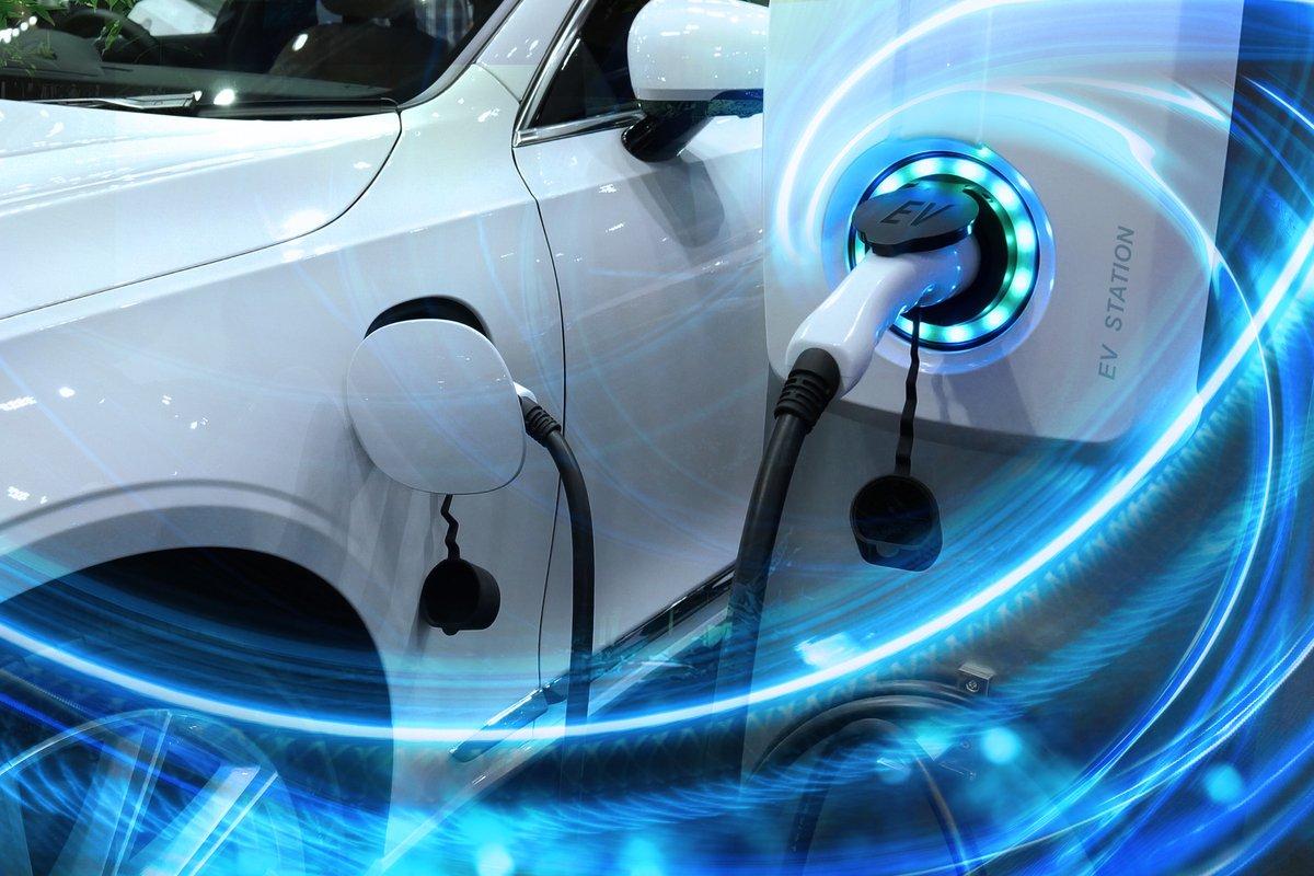電気自動車の国内シェアは15%。普及のカギは何か