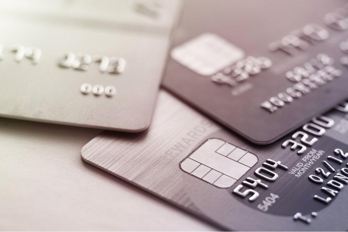 【クレカ比較】楽天カードとリクルートカードを比較、ポイントが貯まりやすいのはどちらか