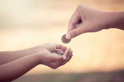 子どものお小遣いの平均はどのくらい? 定額制はいつから?