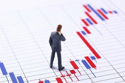 コロナ禍で景気が悪いのに株価は堅調。なぜこんなことが起きる?