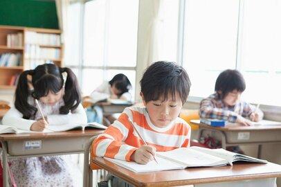クラス替えはなぜあるの? 子供の不安をやわらげる3つのコツ
