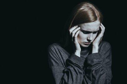 「感情労働」があなたの心にストレスを溜めていく