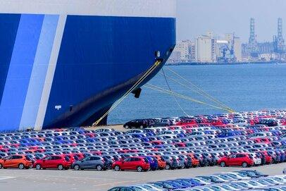 日本の貿易黒字が減少中。これはヤバイ!?