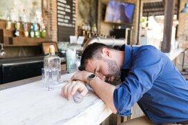 身の回りで起こったお酒の失敗談!アルコールによる酔いから自分を守るコツ