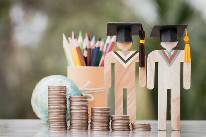大学進学にはいくら費用がかかる?教育費の捻出方法とは