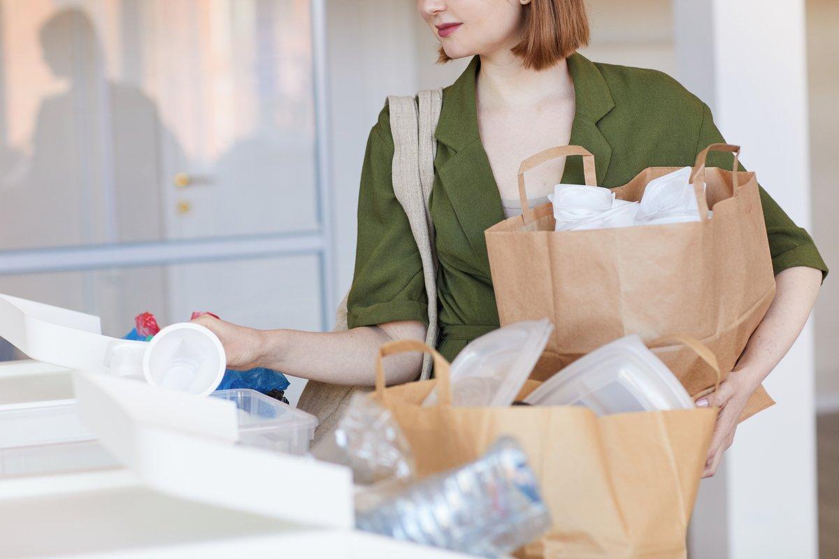 レジ袋有料化でゴミ袋がない!ゴミ捨てに便利な代用品8選