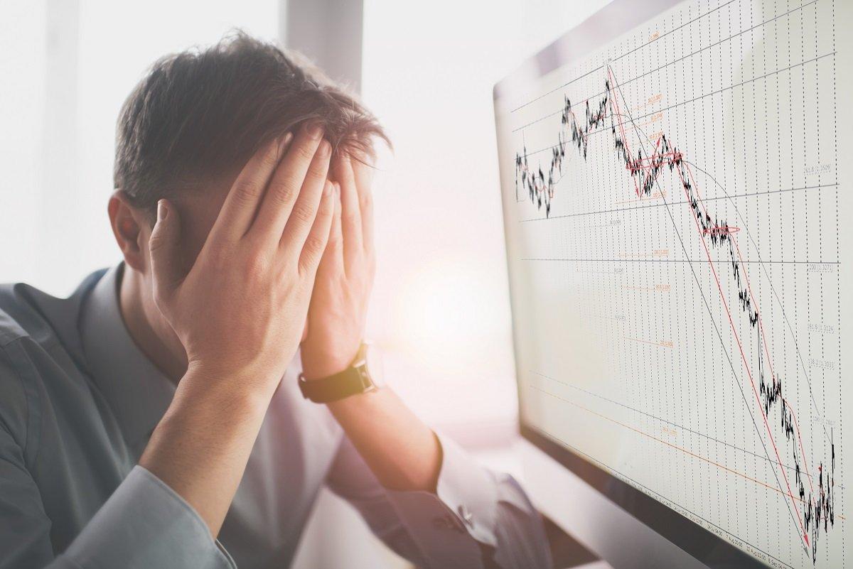 株価の暴落がいっそうの暴落を招くカラクリとは? こんなときのNG行動は?