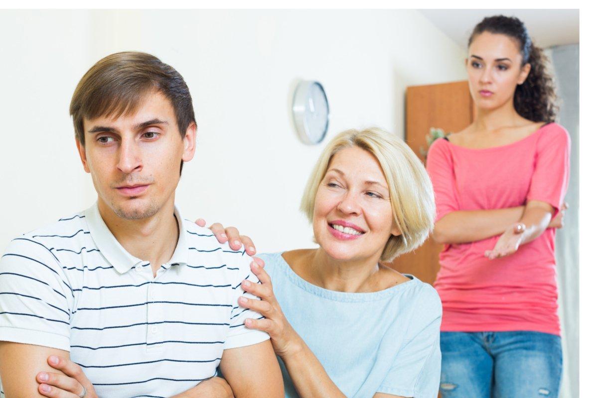 60歳の息子にストーカー⁈子離れできない「同居姑の実態」