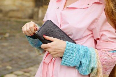 「長財布伝説はウソ?ホント?」長財布をつかうことで「お金持ちになった人」はいるのか