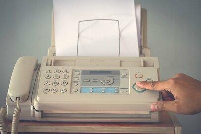 FAX、フロッピー、銀行の通帳、日常から消えていくものは今・・・
