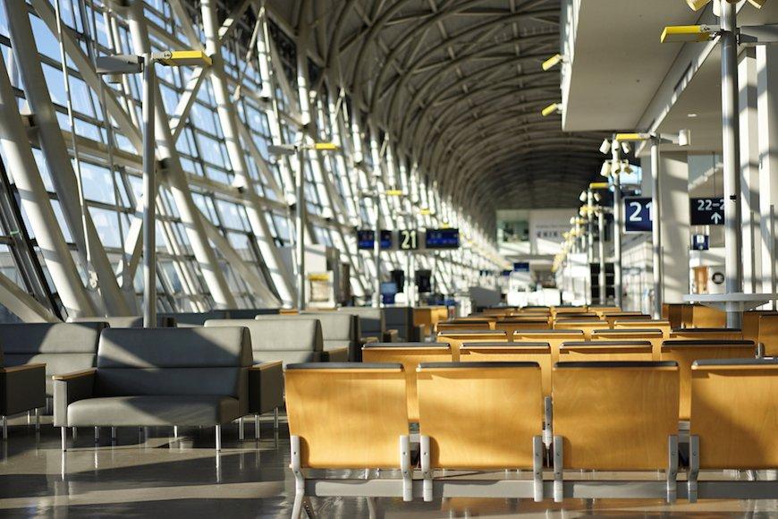 関西国際空港と成田国際空港、旅行者が利用するサービスに違いはあるの?