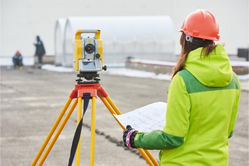 女性の測量技術者の給料はどのくらいか