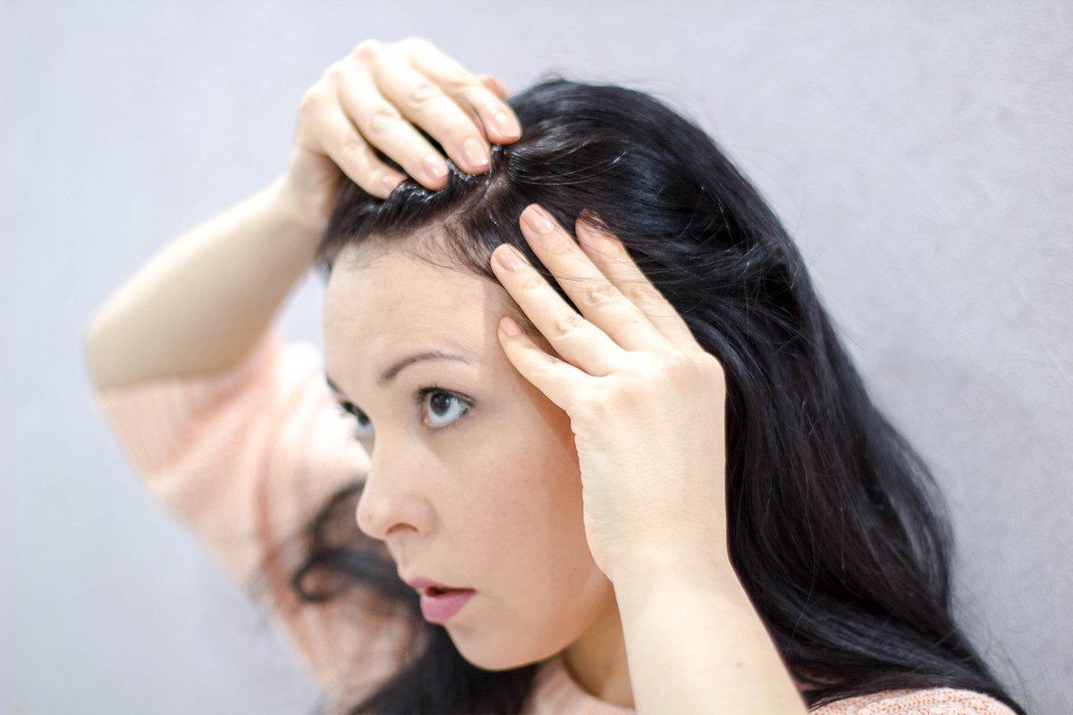 「小学生で白髪⁉」増える白髪、最近の傾向と避けるべき4つのNG