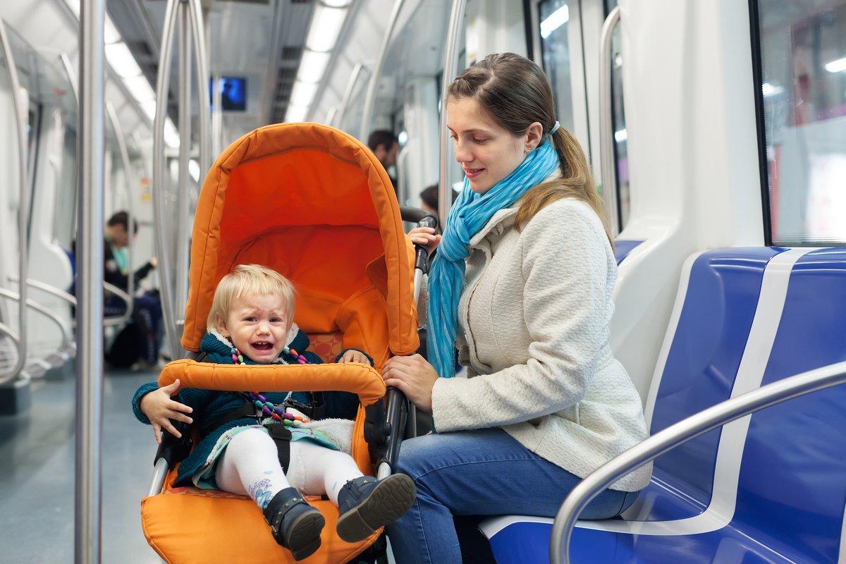 SNSで話題の「結界師」に救われた…泣き止まない赤ちゃんに疲れるママ…求められる周囲の助け