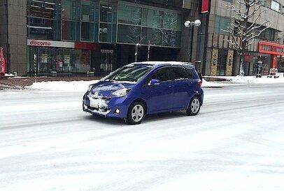 冬用タイヤに暖冬は好ましくないが、雪の降り過ぎも困った問題