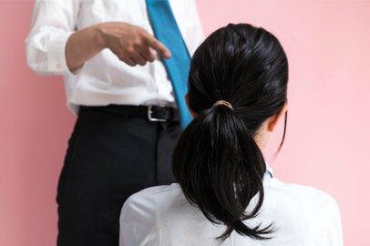 身近に潜むパワハラ。ミドル世代8割が経験!?転職原因にもなる「精神的攻撃」とは