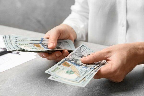 「貯金1000万円」と「年収1000万円 」一体どちらがお得なの?