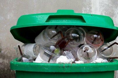 スタバやマックでプラストロー廃止。日本のリサイクルってどうなの?