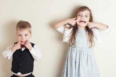 「冷蔵庫を勝手に開ける…」子どもの友達に注意できる?子どものマナー問題と対処法
