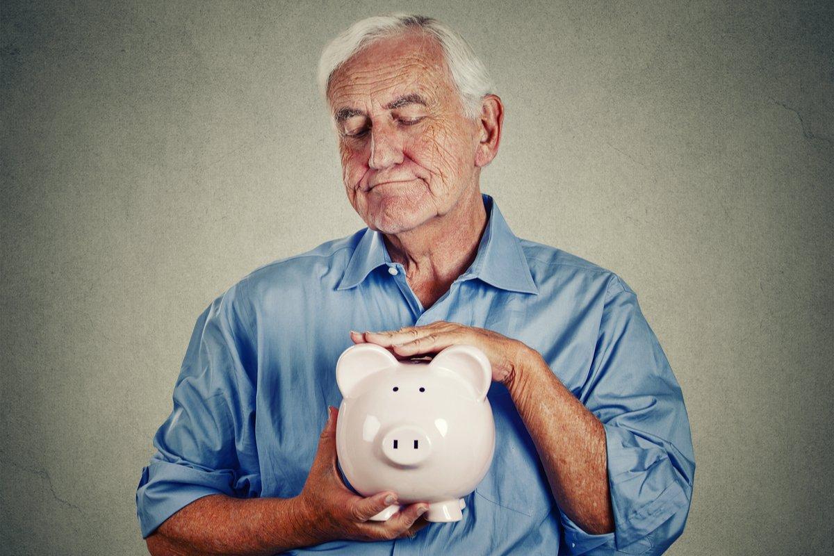 70代の平均貯金額と年金額、「貯金の取り崩し」はいくらくらいになる?