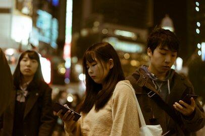 「好奇心がモラルを上回る!?」日本人の撮影モラルが低下した要因とは何か