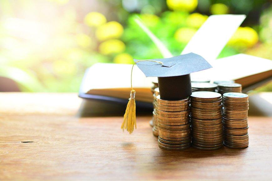 奨学金の返済負担を気にして進学を諦めるな
