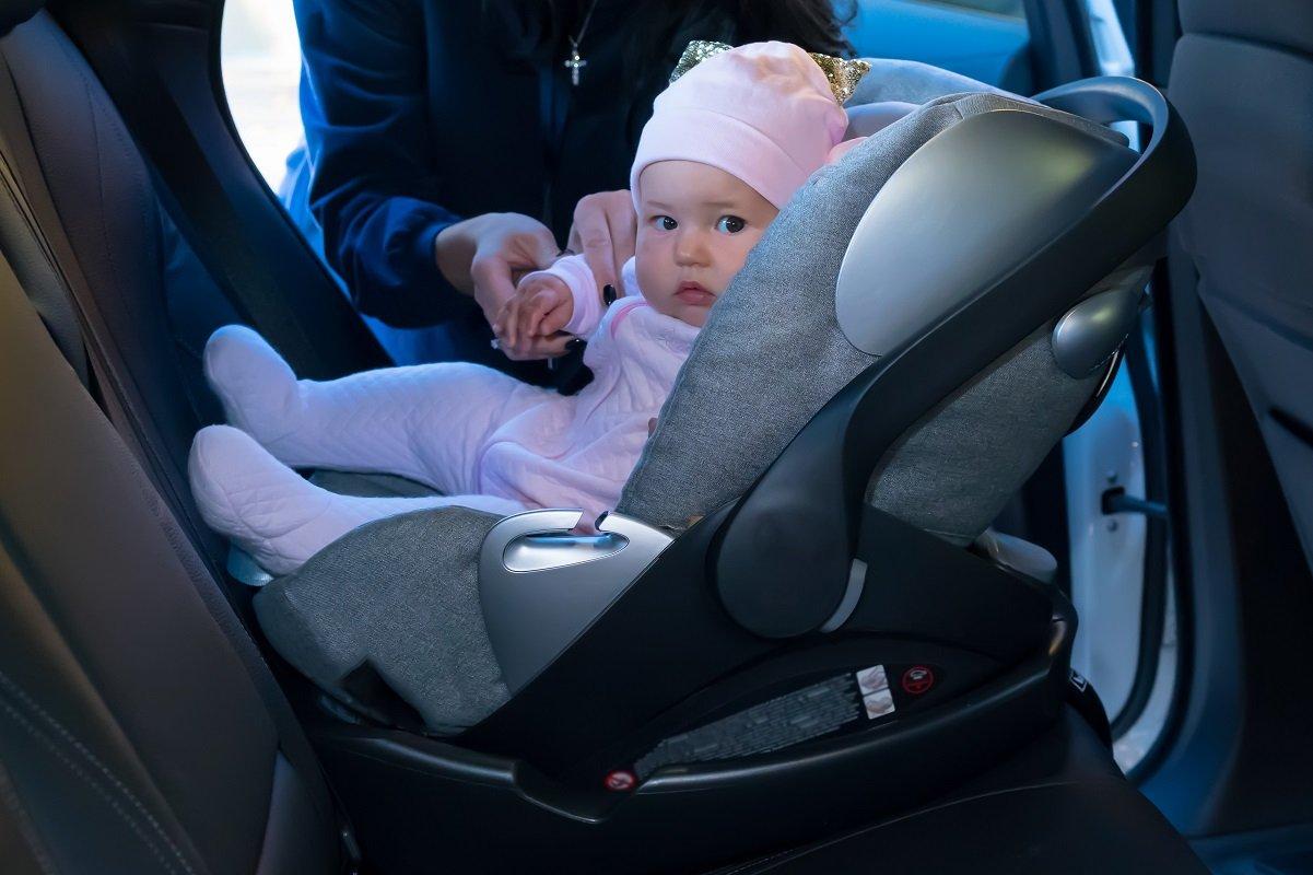 幼い子と2人の運転中にやりがちな危険行為。「ヒヤリハット」体験で感じたこと