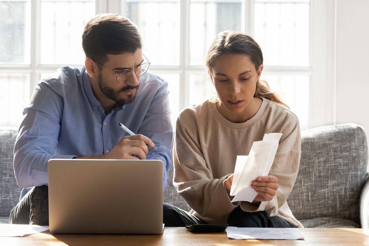 将来お金に困る共働き夫婦がやりがちなこと〜二馬力でも貯蓄できない!?