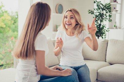 噂を食べて生きているような親…こんなママにご用心!保護者会で見た「イタいママ達」