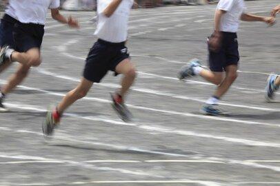 「速く走りたい!」子供の気持ちをつかんだ運動靴の衝撃