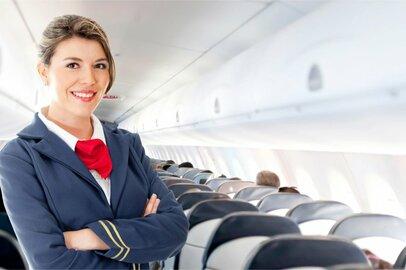 女性の航空機客室乗務員の給料はどのくらいか