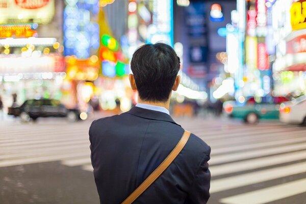 日本の孤独は自己責任!? 寂しいのは自分のせい…なのか