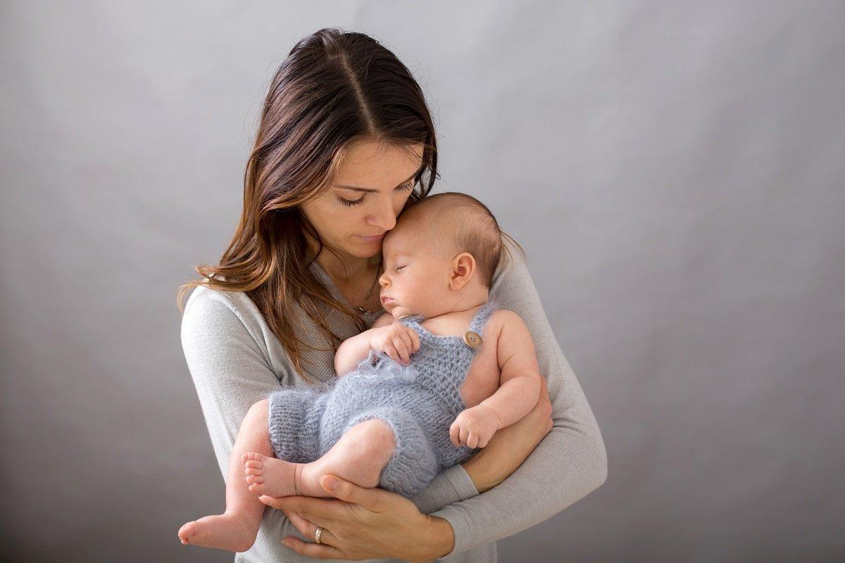 「家にこもりきりで会話がない…」 1人目の産後に起きる生活の激変