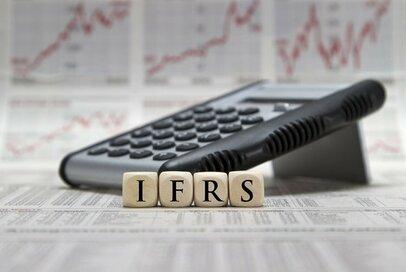 東証がIFRS適用状況の調査結果を発表した意図は何か―関連銘柄の今後は?